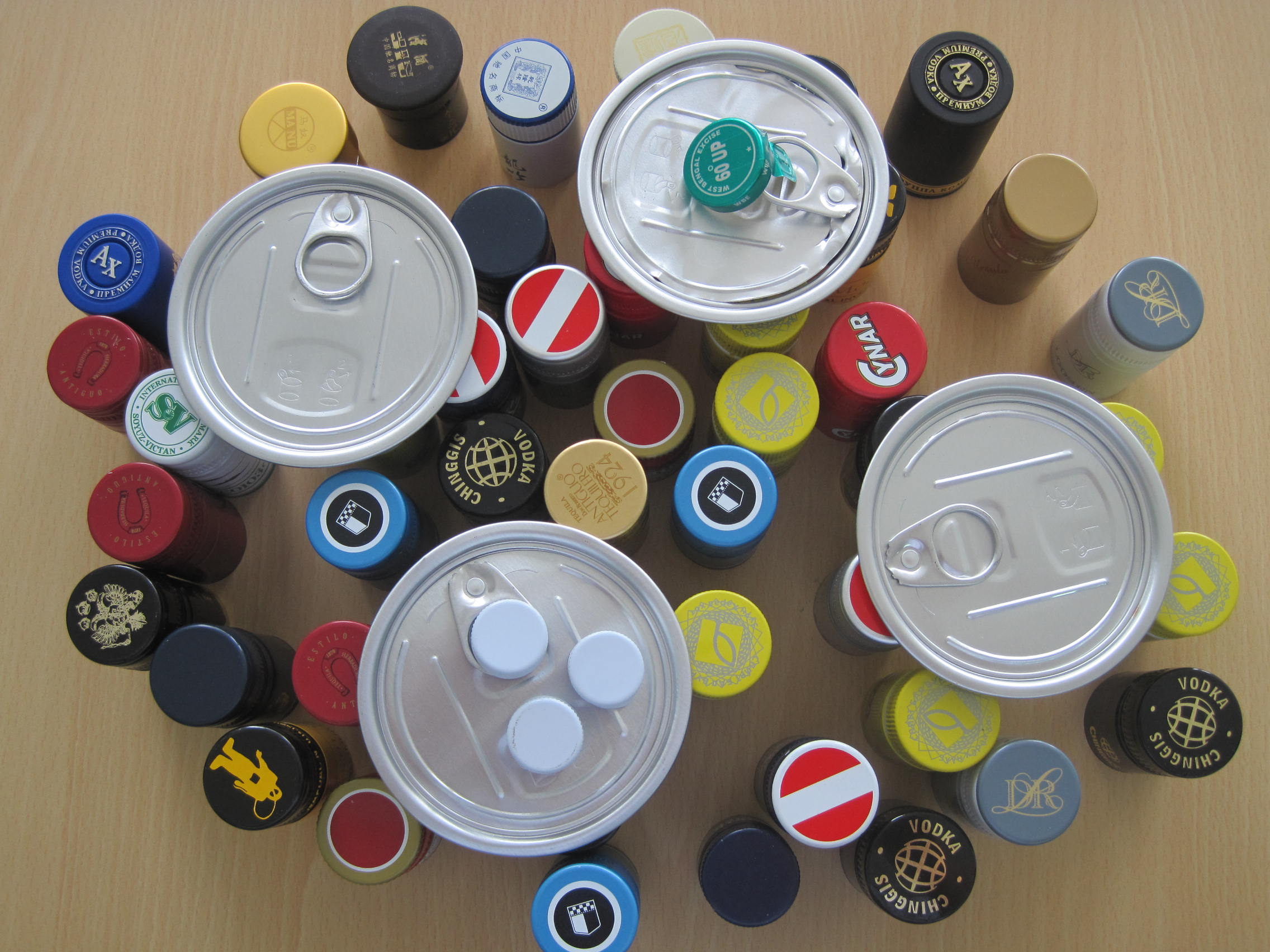 Manufacturing process of aluminium bottle cap